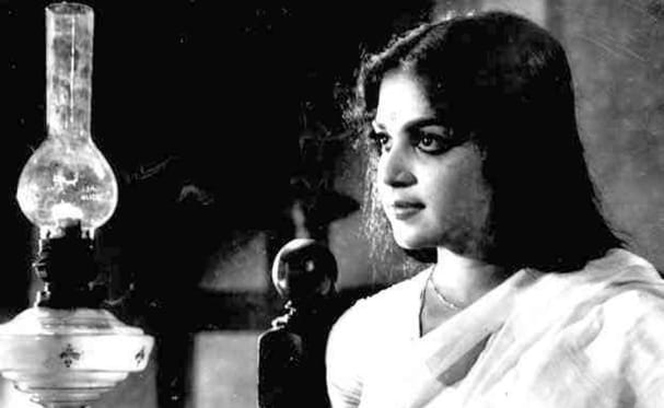 Kalyanarathriyil, heroine of First Malayalam Movie to get A Certificate
