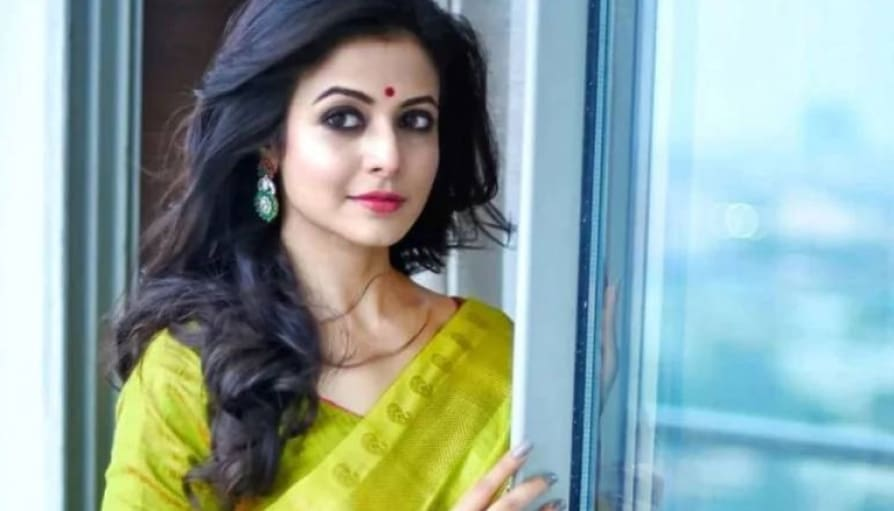 Koel Mallick, father Ranjit Mallick husband and mother test positive for Covid-19