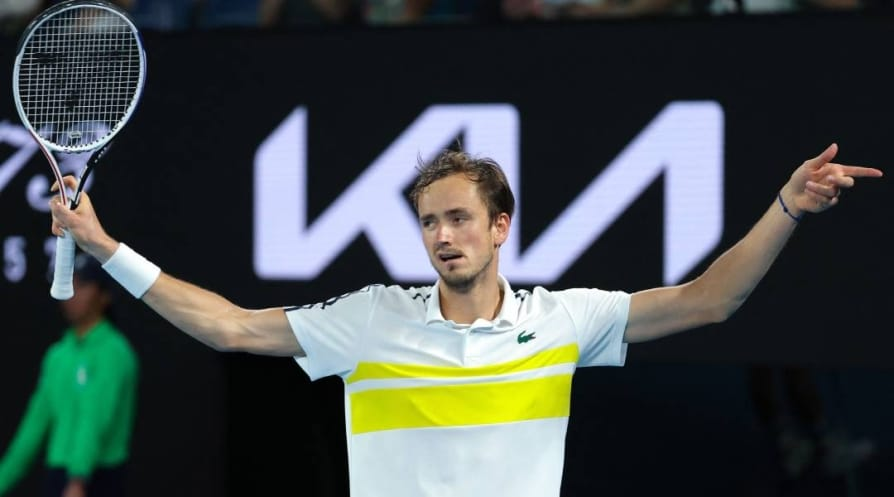 Australian Open 2021 Daniil Medvedev beat Stefanos Tsitsipas to enter final